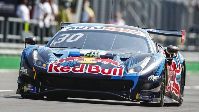 Philip Ellis, en racha, logra la pole del domingo del DTM en Lausitzring