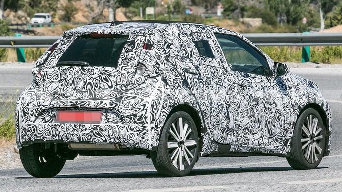 Toyota Aygo 2022 - foto espía posterior
