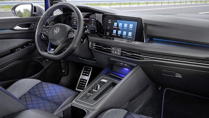 Volkswagen Golf R Variant 2022 - interior