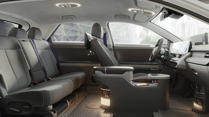 Hyundai IONIQ 5 Robotaxi - interior