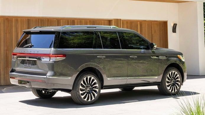 Lincoln Navigator 2022 - posterior