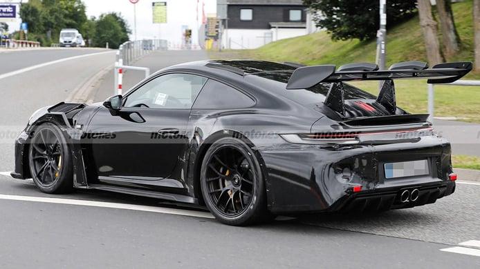 Porsche 911 GT3 RS 2022 - foto espía posterior