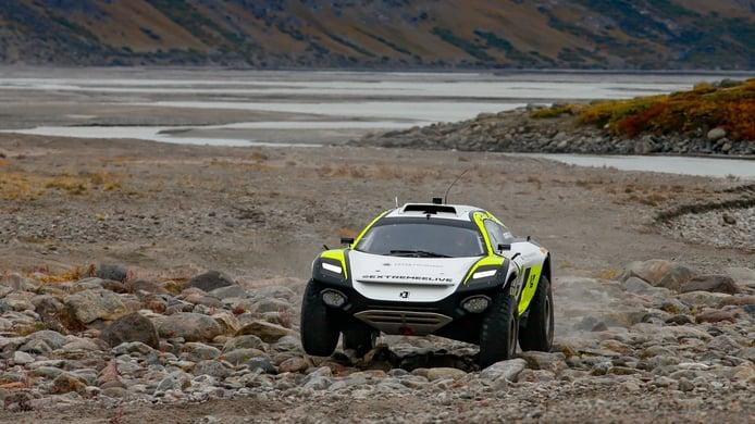 Timmy Hansen y Catie Munnings ganan el primer Arctic X-Prix de Extreme E