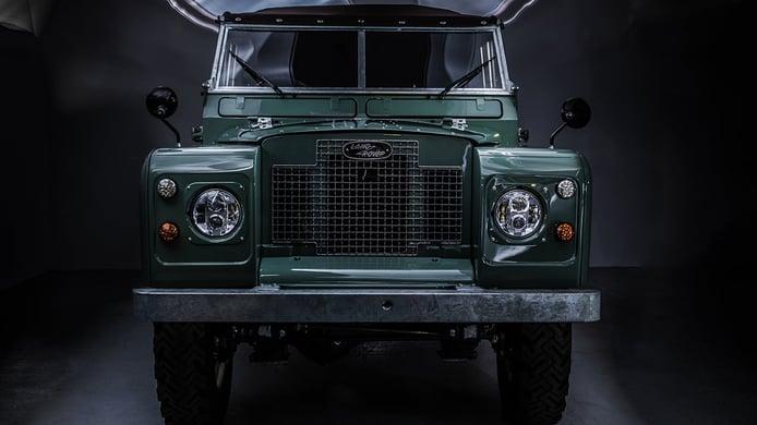 Land Rover Series IIA transformado por Everrati