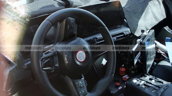 BMW X1 2022 - foto espía interior