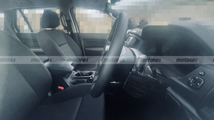 Ford Everest 2023 - foto espía interior