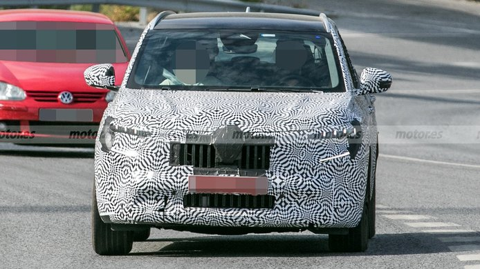 Renault Kadjar 2022 - foto espía frontal
