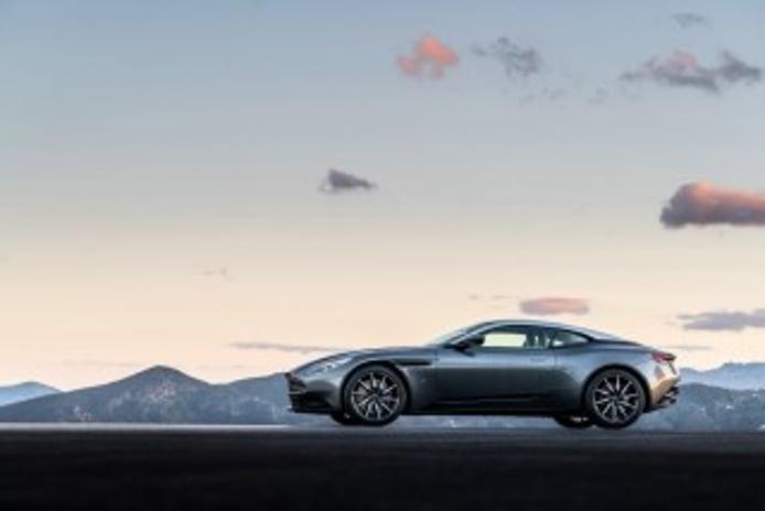 Foto 3 - Aston Martin DB11