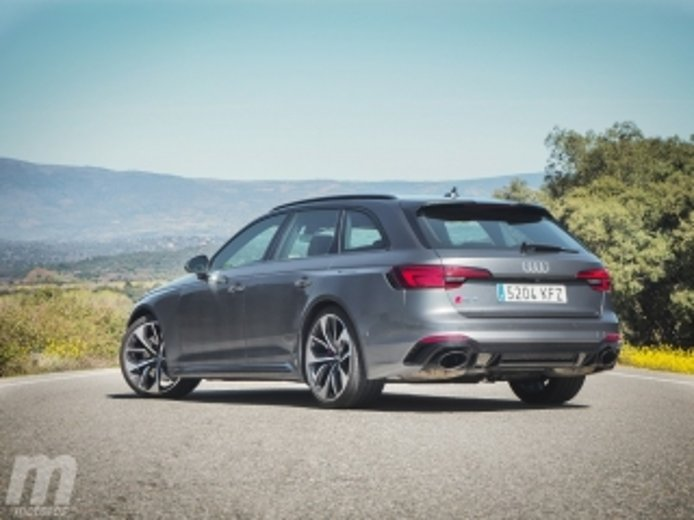 Foto 2 - Fotos Audi RS 4 Avant 2018