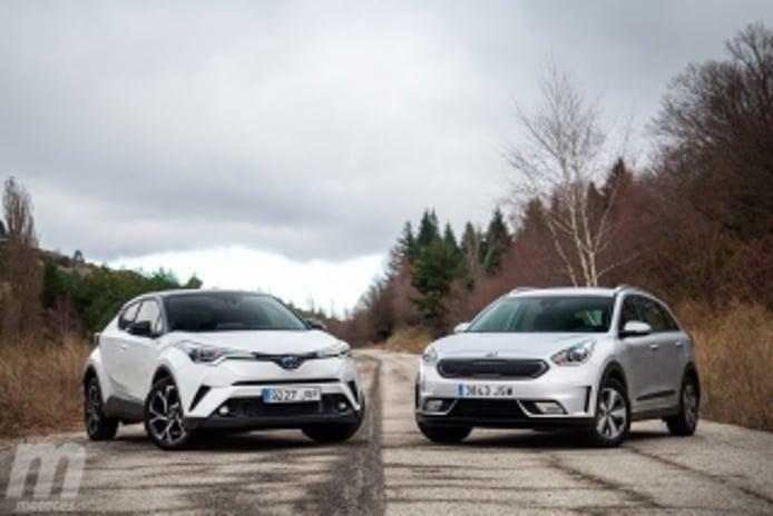 Foto 3 - Fotos Toyota C-HR vs Kia Niro