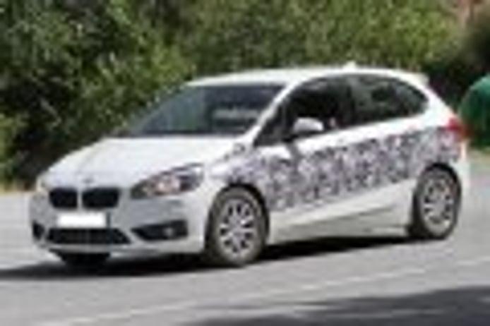 BMW Serie 2 Active Tourer híbrido enchufable pillado por primera vez ¿BMW 223e?