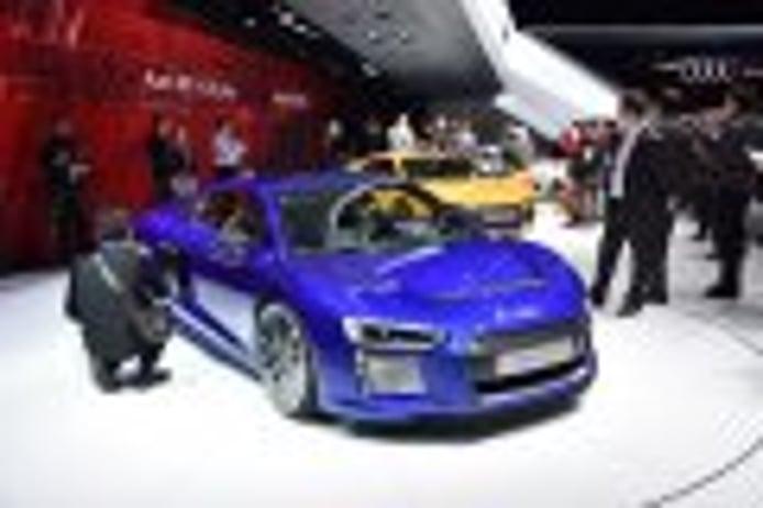 Audi R8 e-tron 2015, con 450km de autonomía eléctrica