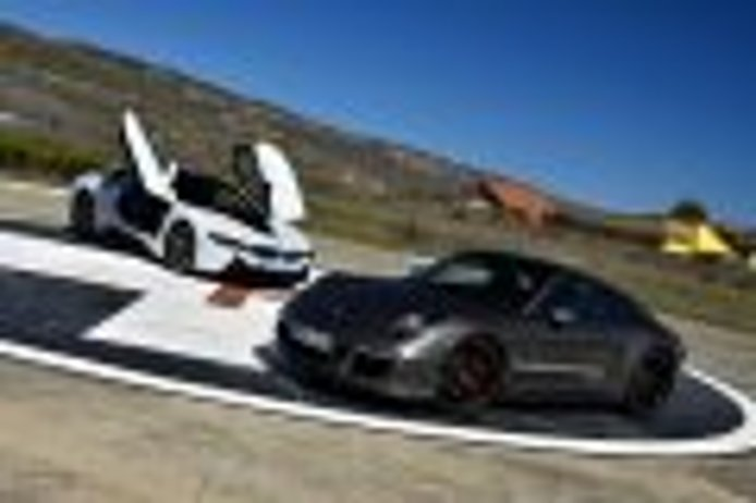 BMW i8 vs Porsche 911 GTS (I): cara a cara
