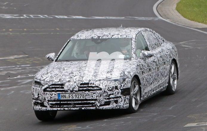 El nuevo Audi A8 2017 se enfrenta al circuito de Nürburgring