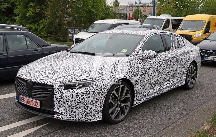 Opel Insignia OPC 2018: fotos espía de la versión más deportiva y prestacional
