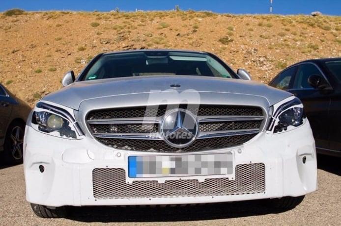 Mercedes Clase C 2018 - foto espía frontal