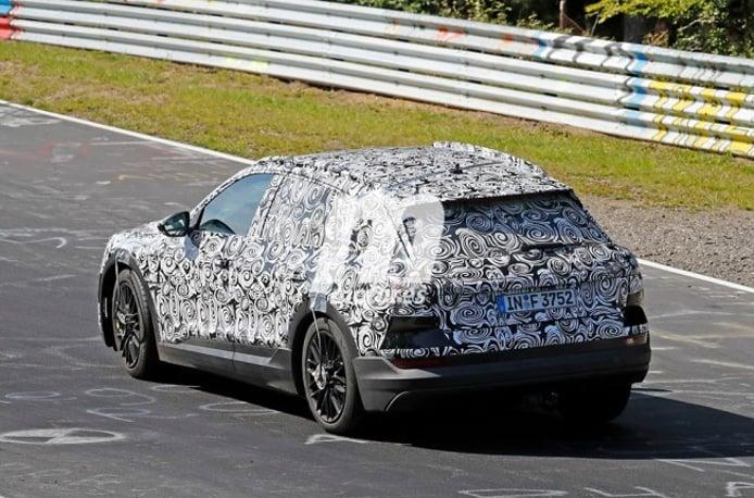 Audi e-tron quattro 2018 - foto espía posterior