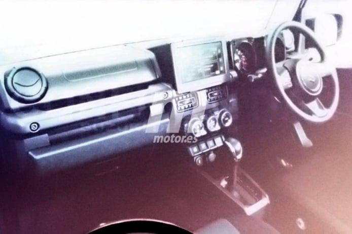 Suzuki Jimny 2019 - foto espía interior