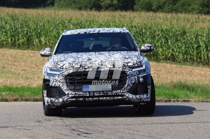 Audi SQ8 2018 - foto espía frontal