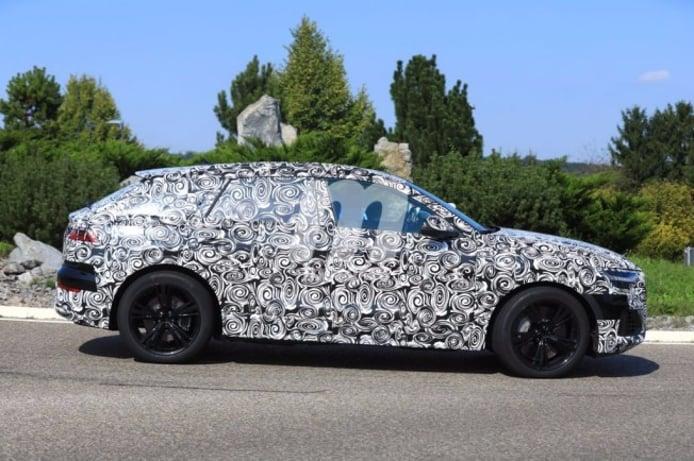 Audi SQ8 2018 - foto espía lateral