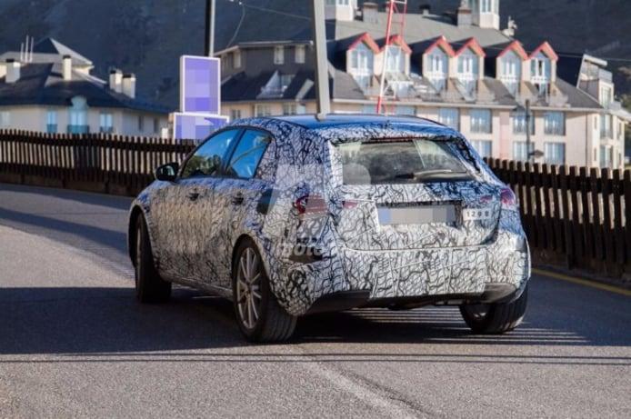 Mercedes GLA 2020 - foto espía posterior
