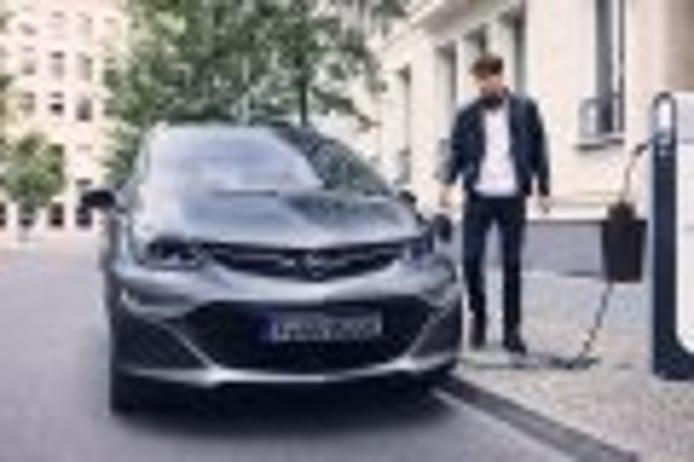 General Motors obliga a Opel a subir (y mucho) el precio del Ampera-e