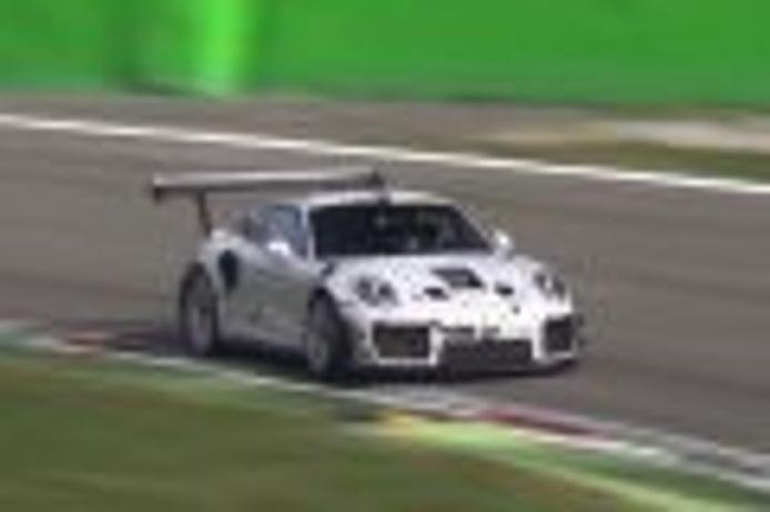 Misterioso Porsche 911 GT2 RS cazado durante unos tests en Monza