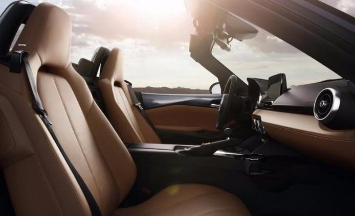 Mazda MX-5 ST Red Heritage - interior
