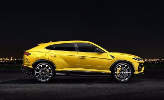 Lamborghini Urus - lateral