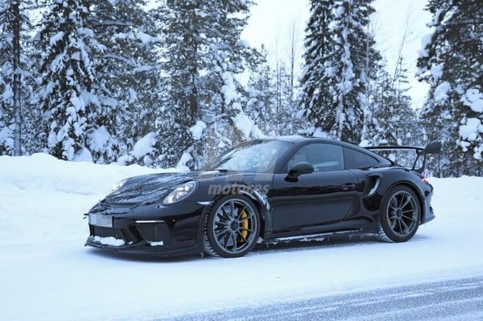 El nuevo Porsche 911 GT3 RS cazado desnudo durante sus últimas pruebas