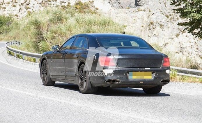 Bentley Flying Spur Hybrid - foto espía posterior