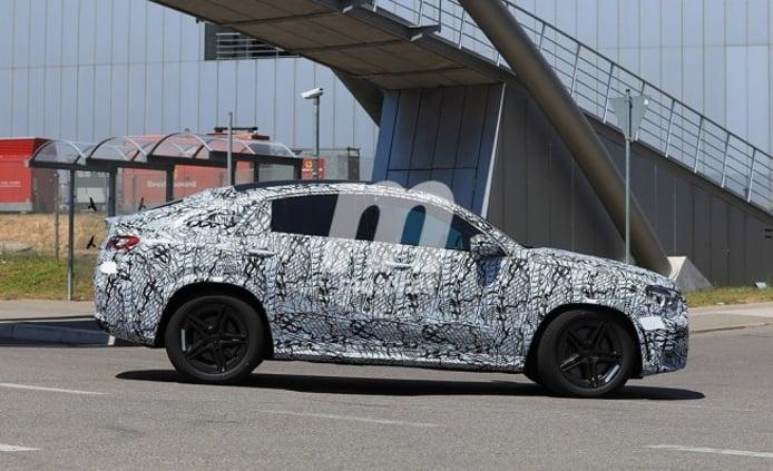 Mercedes Clase GLE Coupé 2020 - foto espía lateral