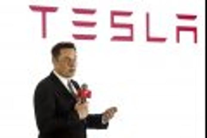 Elon Musk afirma que la idea de privatizar Tesla es del Fondo Soberano Saudí