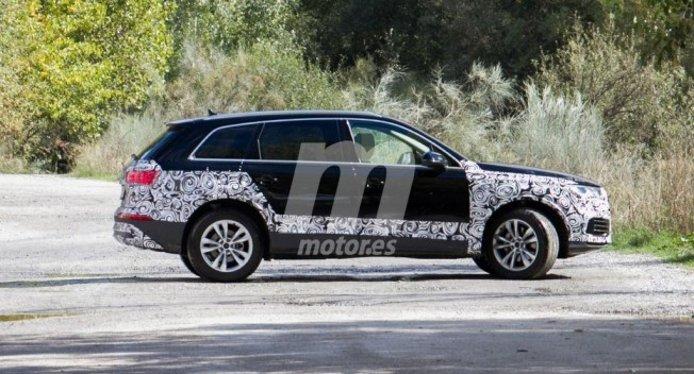 Audi Q7 2019 - foto espía lateral