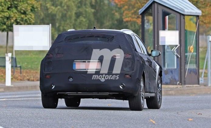 Kia Ceed SUV - foto espía posterior