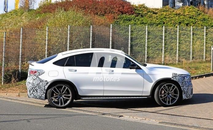 Mercedes-AMG GLC 63 Coupé 2019 - foto espía lateral
