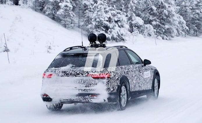 Audi A4 allroad quattro 2020 - foto espía posterior