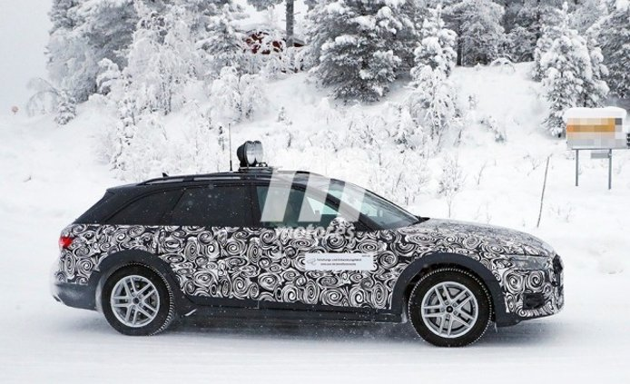 Audi A4 allroad quattro 2020 - foto espía lateral