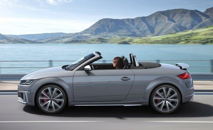 Audi TTS Roadster 2019 - lateral