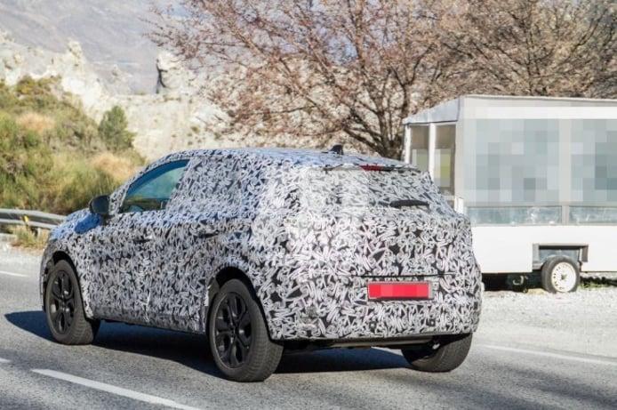 Renault Captur 2020 - foto espía posterior