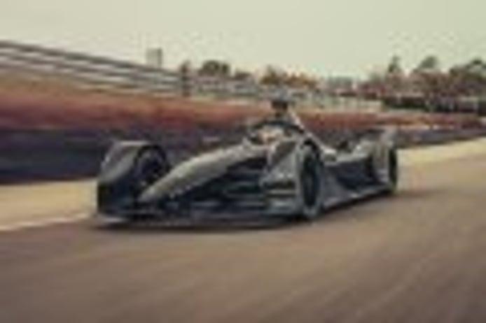 Porsche estrena su Fórmula E sobre el asfalto de Weissach