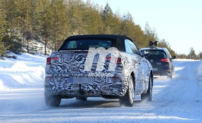 Volkswagen T-Roc Cabrio - foto espía posterior