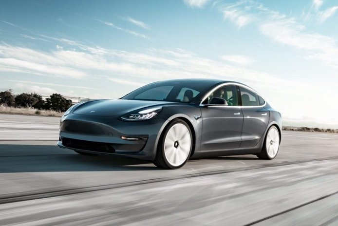 El Tesla Model 3 de 35.000 dólares ya está disponible