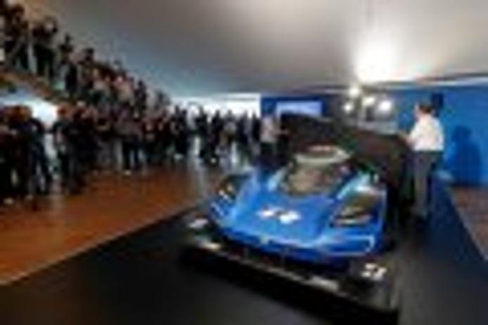 El Volkswagen ID. R estrena colores en Nürburgring