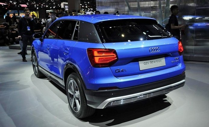 Audi Q2 L e-tron - posterior