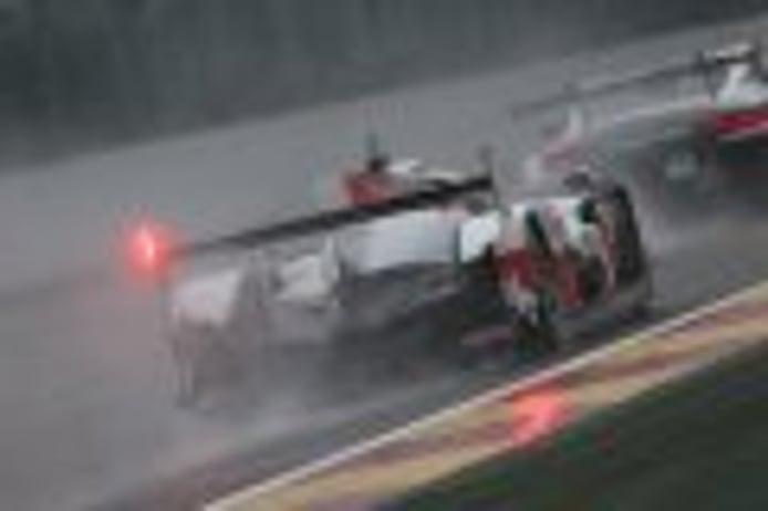 Alonso coloca el Toyota #8 al frente del mojado FP2 en Spa