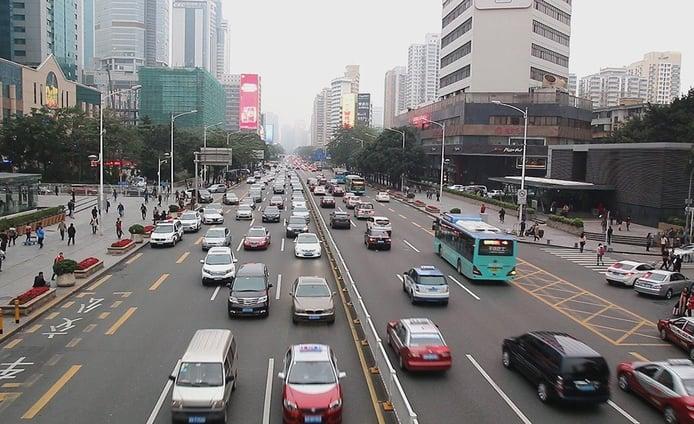 Las grandes ciudades de China relajan las restricciones a la compra de coches nuevos