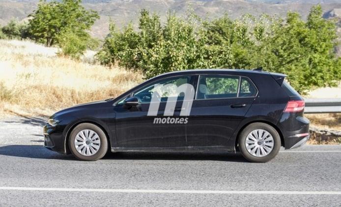 Volkswagen Golf 2020 - foto espía lateral