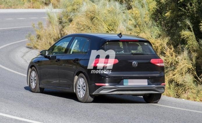 Volkswagen Golf 2020 - foto espía posterior