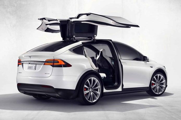 Tesla cambia el color base negro por otro blanco en toda la gama